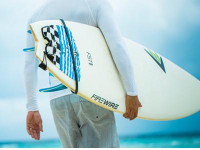 Surfez aux Maldives