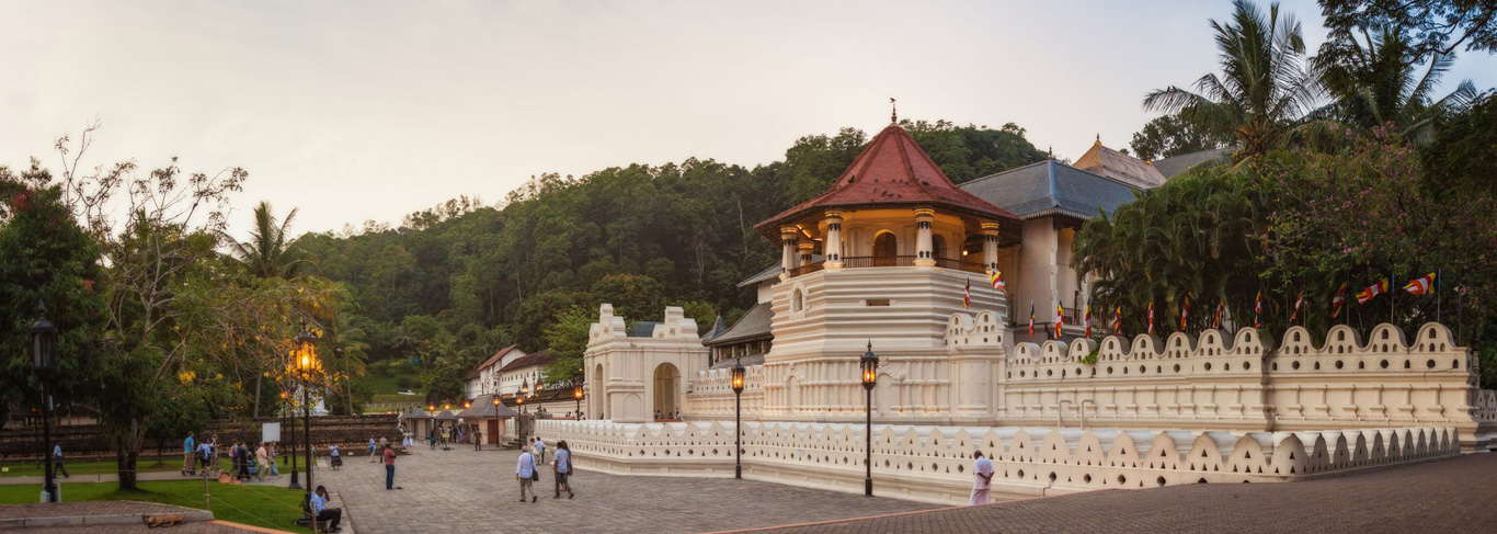 Le temple de la Dent à Kandy au Sri Lanka