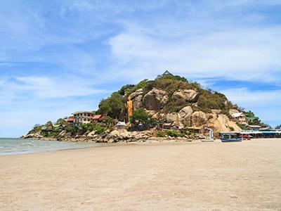 parachute ascensionnel sur la plage de Hua Hin
