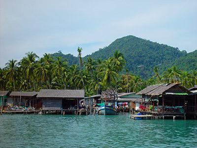 La plage de l'île Koh Chang en Thaïlande