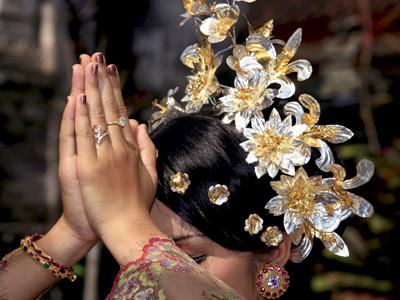 Prière à Bali | Pod