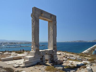 La porte de Naxos, vestige historique | Villa Marandi