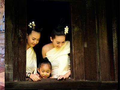 Sœurs thaïlandaises |