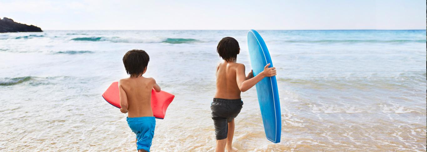 Surf en famille à Seminyak