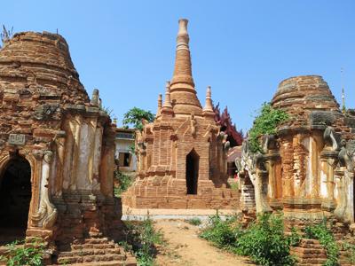 Les stupas d'Indein