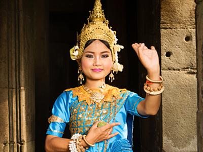 diner-khantoke-et-danse-traditionnelle-t