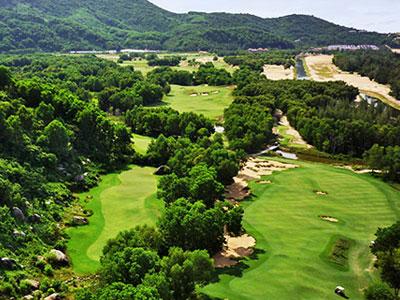 Journée sportive au club de Golf de Lang Co