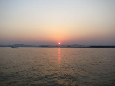 croisière au coucher de soleil