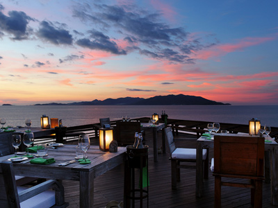 Dining on the Rocks au Six Senses Samui