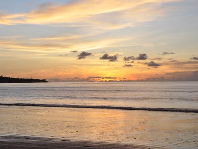 Coucher de soleil sur la plage de Jimbaran - Nautil