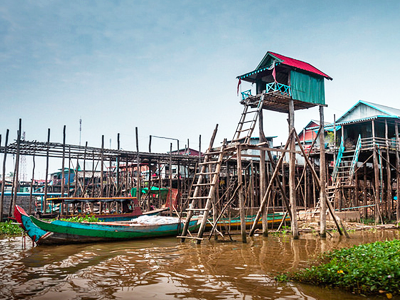 Kompong Phluk (No Roads and No Horizons / Flickr)
