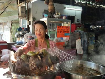 Mae Chan Market