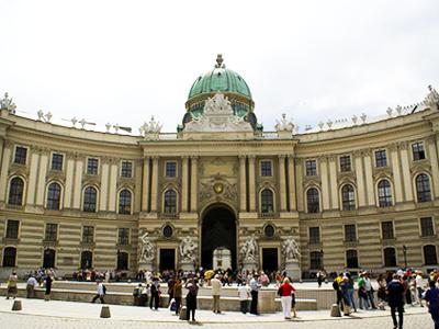 Palais Impérial de la Hofburg (Julius Cruickshank / Flickr)