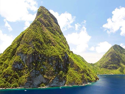 Pitons Jumeaux (Visions Of St. Lucia Island / Facebook)