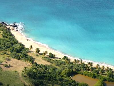 Plage d'Happy Bay (Office du Tourisme de Saint-Martin / Facebook)
