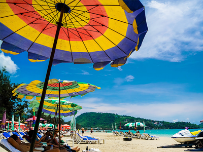 Plage Hat Patong (Luke Ma / Flickr)