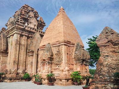 Tours Cham de Po Nagar (4pf3154f7 / Wikimedia Commons)