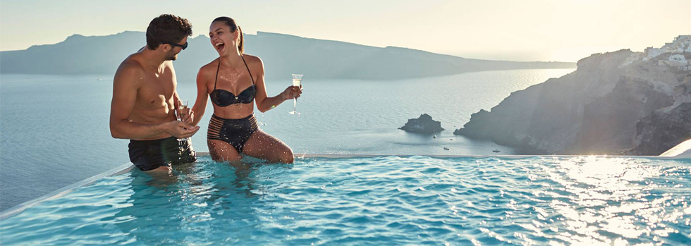 La piscine du Canaves Oia Suites