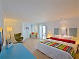 L'une des chambres que propose l'hôtel Ambre Resort & Spa