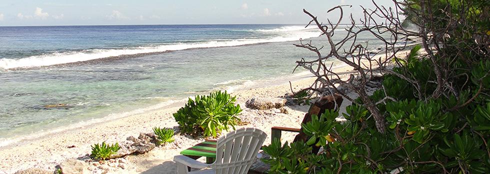 La plage du Green Lodge à Moorea