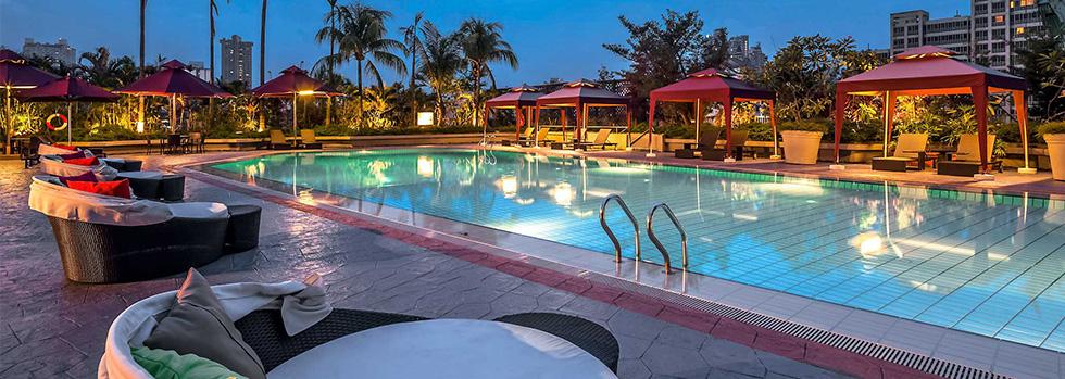 La piscine du Novotel Clarke Quay à Singapour