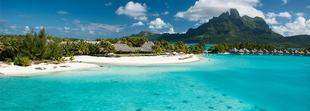 The St. Regis Bora Bora Resort dans le lagon de Bora Bora